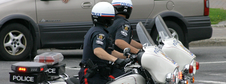 picture of two sudbury police officers